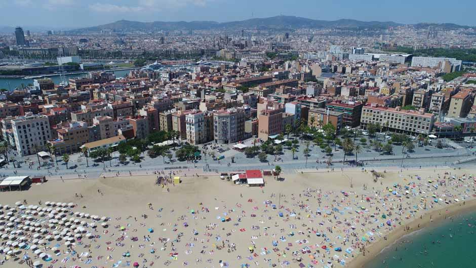 Imatge aèria de la platja de la Barceloneta
